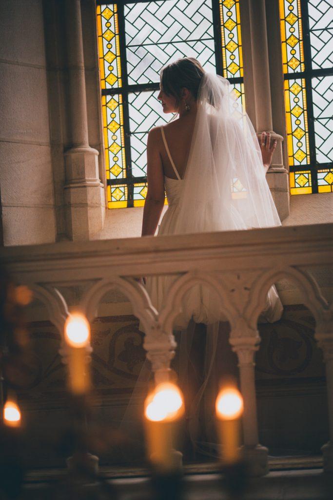 photographie de mariage à l'Abbaye de la bussiere vers dijon en Bourgogne, Jonas Jacquel. preparatifs, bague7