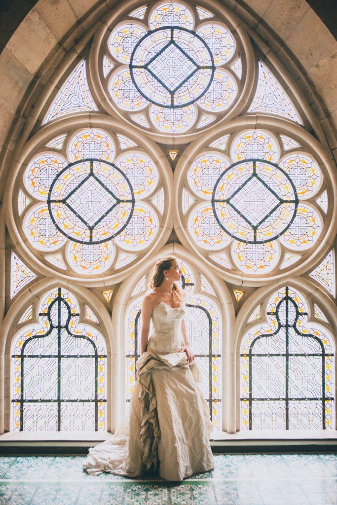 photographie de mariage à l'Abbaye de la bussiere vers dijon en Bourgogne, Jonas Jacquel. preparatifs, bague10