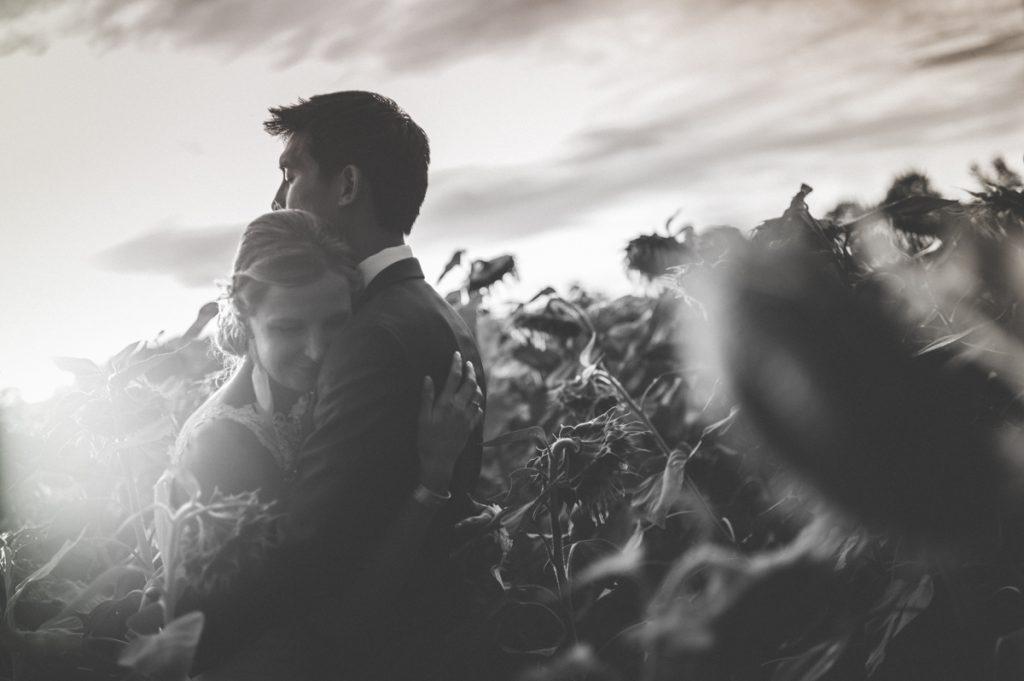 Photographe de mariage à Dijon en Bourgogne et à Paris. Reportage de mariage au leica25