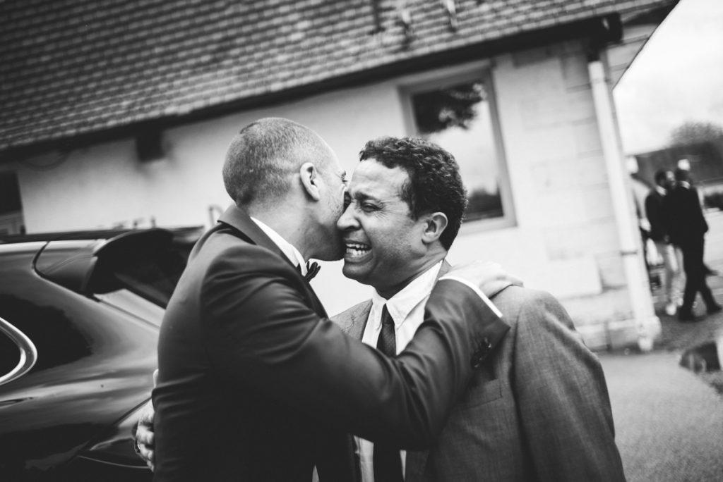 Photographe de mariage à Dijon en Bourgogne. Reportage de mariage au leica4