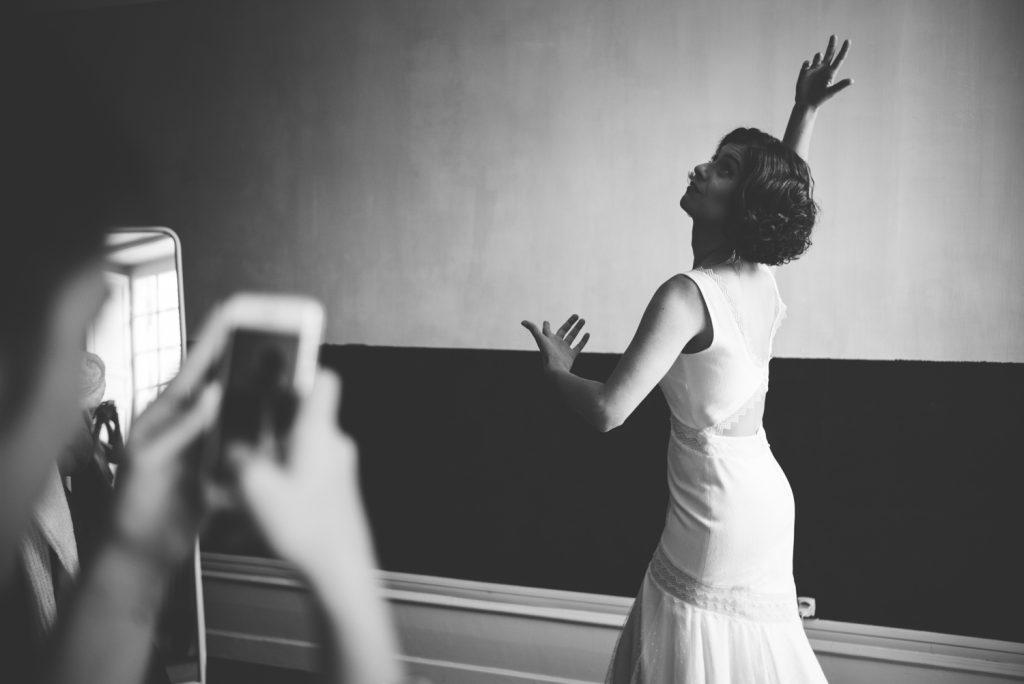Photographe de mariage à Dijon, en Bourgogne et sur Paris. Reportage d'auteur au Leica.78
