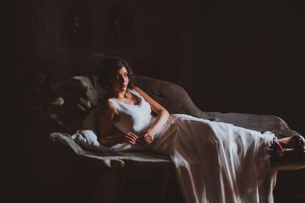 Photographe de mariage à Dijon, en Bourgogne et sur Paris. Reportage d'auteur au Leica.50