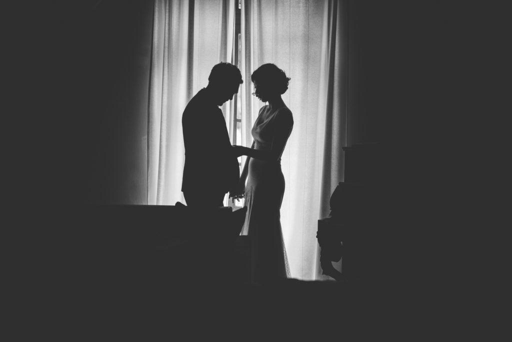 Photographe de mariage à Dijon, en Bourgogne et sur Paris. Reportage d'auteur au Leica.46