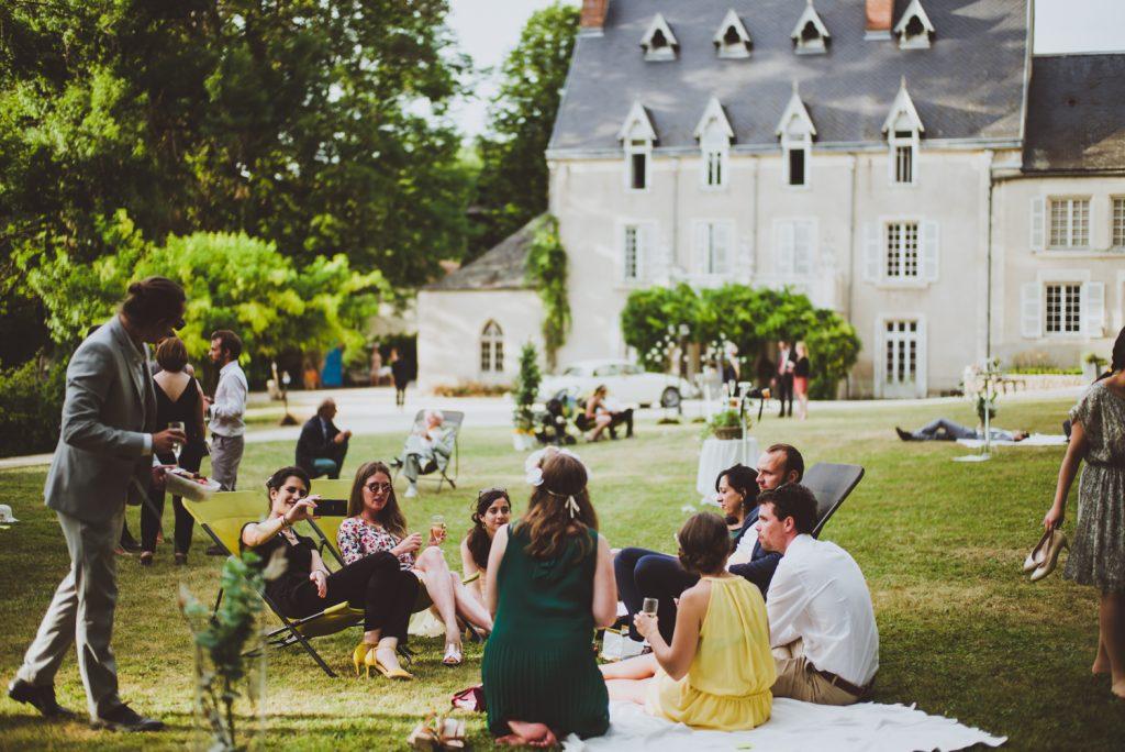 Photographe de mariage à Dijon, en Bourgogne et sur Paris. Reportage d'auteur au Leica.37