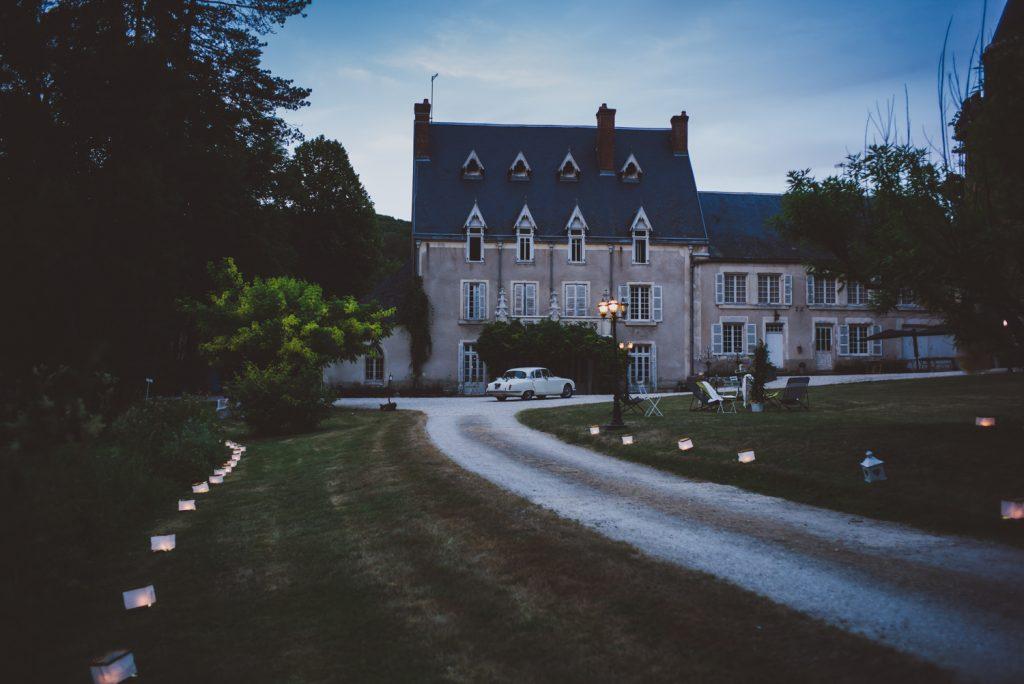 Photographe de mariage à Dijon, en Bourgogne et sur Paris. Reportage d'auteur au Leica.25