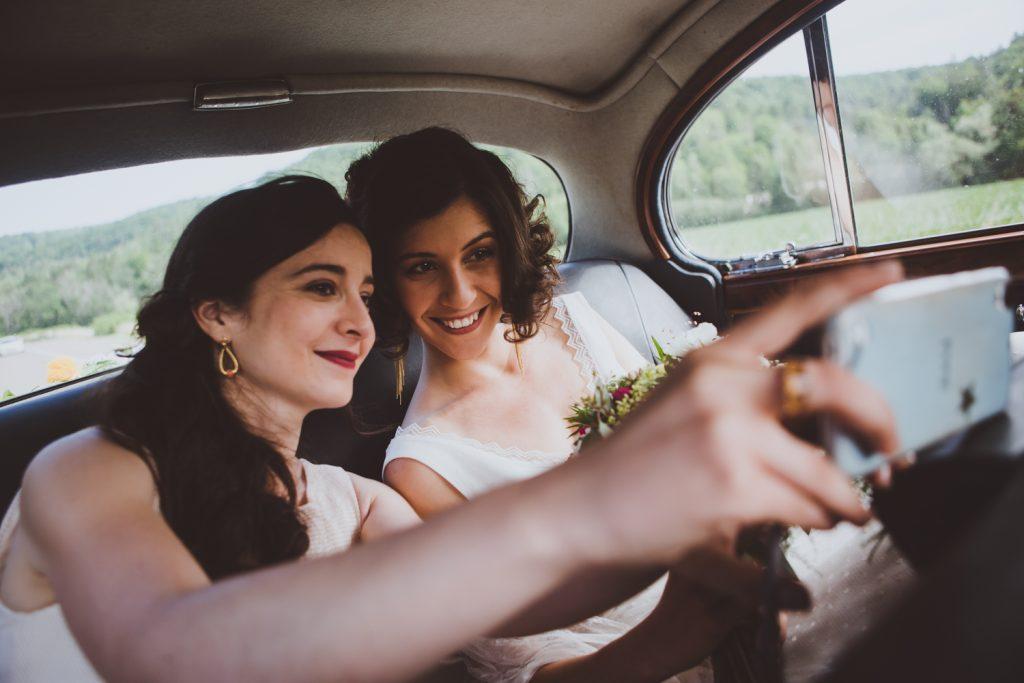 Photographe de mariage à Dijon, en Bourgogne et sur Paris. Reportage d'auteur au Leica.22