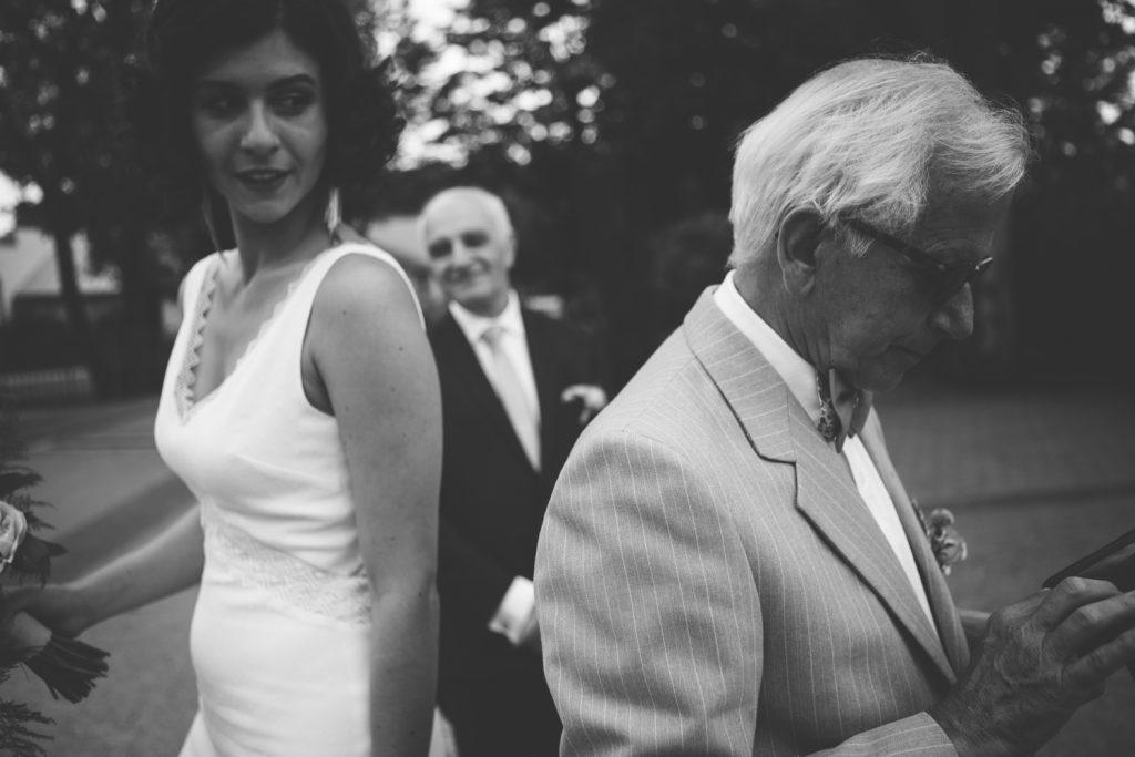 Photographe de mariage à Dijon, en Bourgogne et sur Paris. Reportage d'auteur au Leica.11