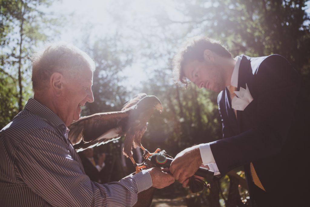 Photographe de mariage à Dijon, en Bourgogne et sur Paris. Reportage d'auteur au Leica.7