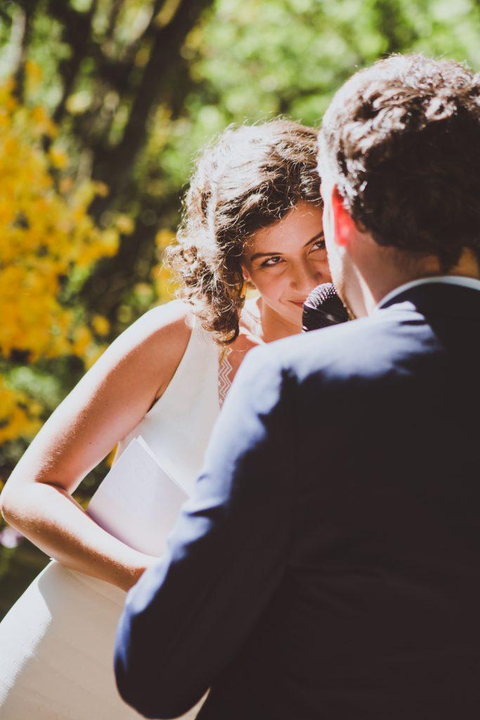 Photographe de mariage à Dijon, en Bourgogne et sur Paris. Reportage d'auteur au Leica.6
