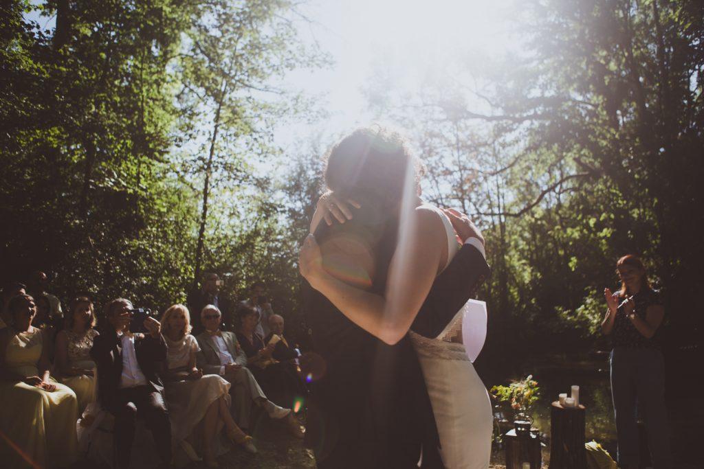 Photographe de mariage à Dijon, en Bourgogne et sur Paris. Reportage d'auteur au Leica.5