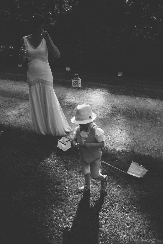 Photographe de mariage à Dijon, en Bourgogne et sur Paris. Reportage d'auteur au Leica.2