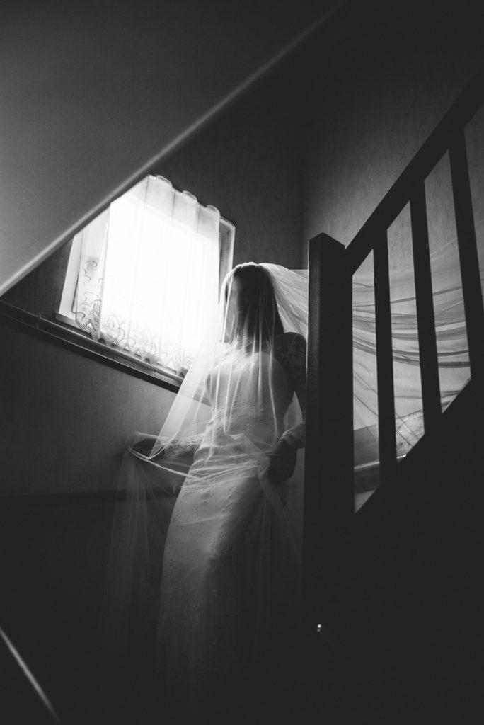 Photographe de mariage à Dijon, en Bourgogne et sur Paris. Leica wedding photography.