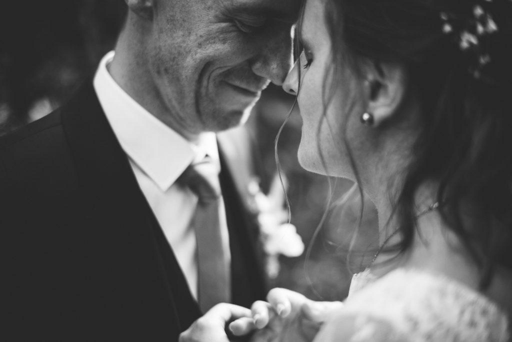Photographe de mariage à Dijon, en Bourgogne. Regard d'auteur et images lifestyle. Jonas Jacquel12