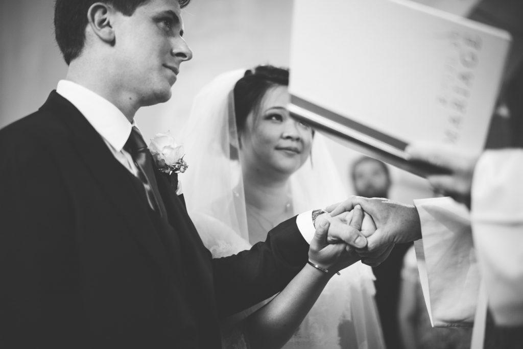 Photographe de mariage à Dijon en Bourgogne. Mariagefranco-chinois à Ancy-le-Franc en Bourgogne.11