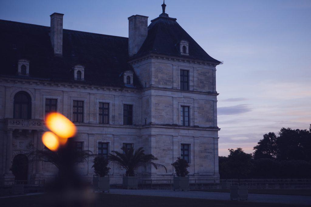 Photographe de mariage à Dijon en Bourgogne. Mariagefranco-chinois à Ancy-le-Franc en Bourgogne.37