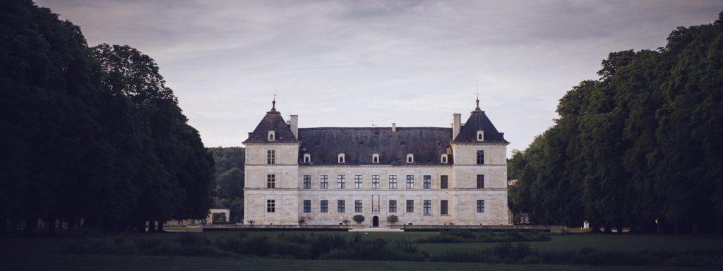 Photographe de mariage à Dijon en Bourgogne. Mariagefranco-chinois à Ancy-le-Franc en Bourgogne.24