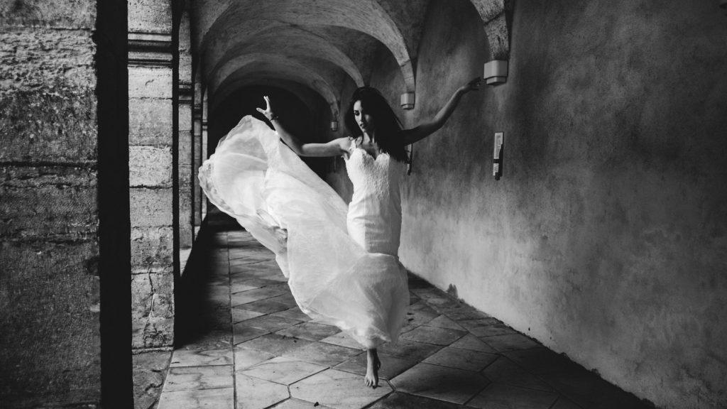 Photogrpahe de mariage a dijon en bourgogne, robe de mariee, wedding dress, jonas jacquel13