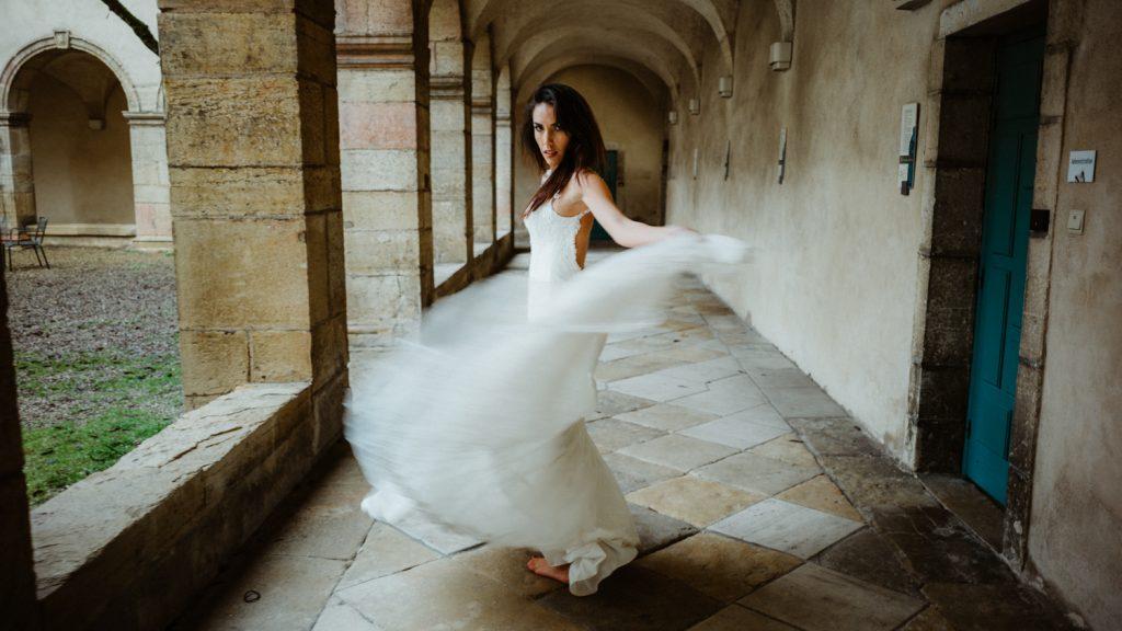 Photogrpahe de mariage a dijon en bourgogne, robe de mariee, wedding dress, jonas jacquel3