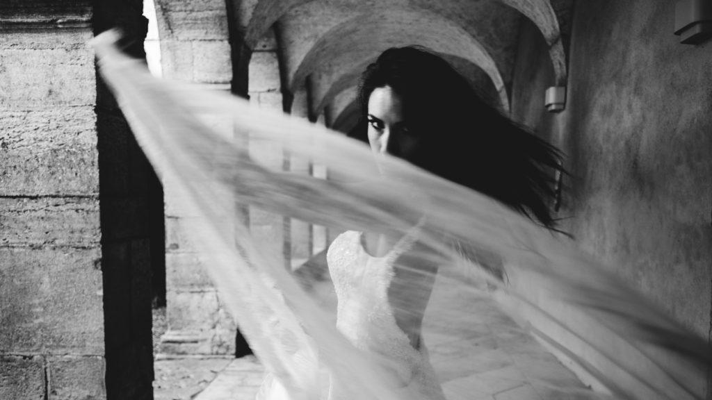 Photogrpahe de mariage a dijon en bourgogne, robe de mariee, wedding dress, jonas jacquel15