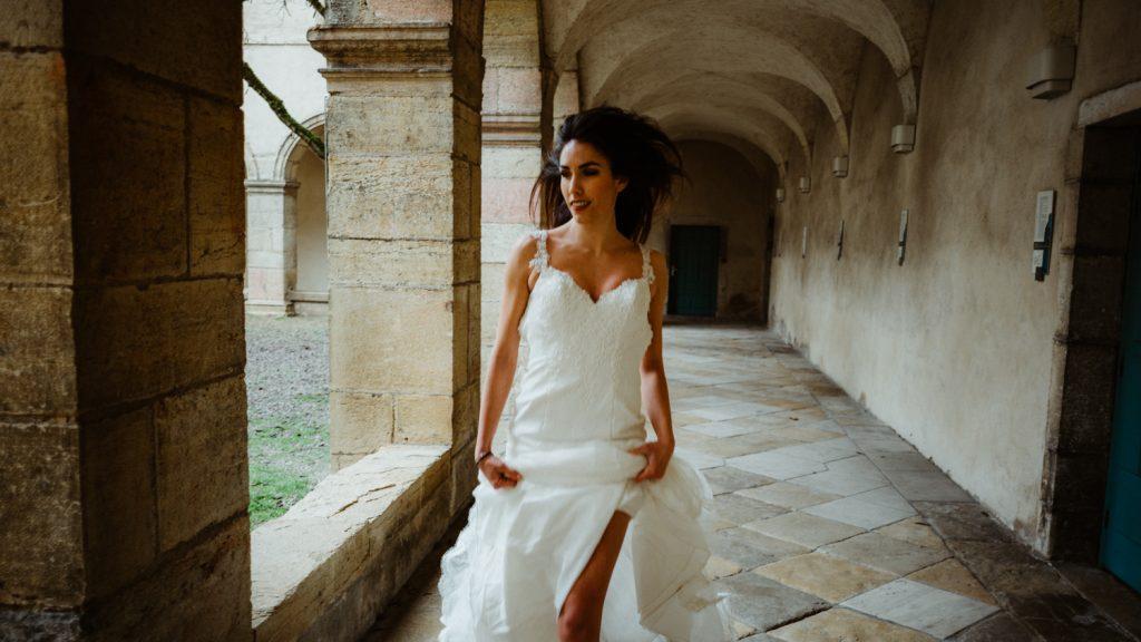 Photogrpahe de mariage a dijon en bourgogne, robe de mariee, wedding dress, jonas jacquel8