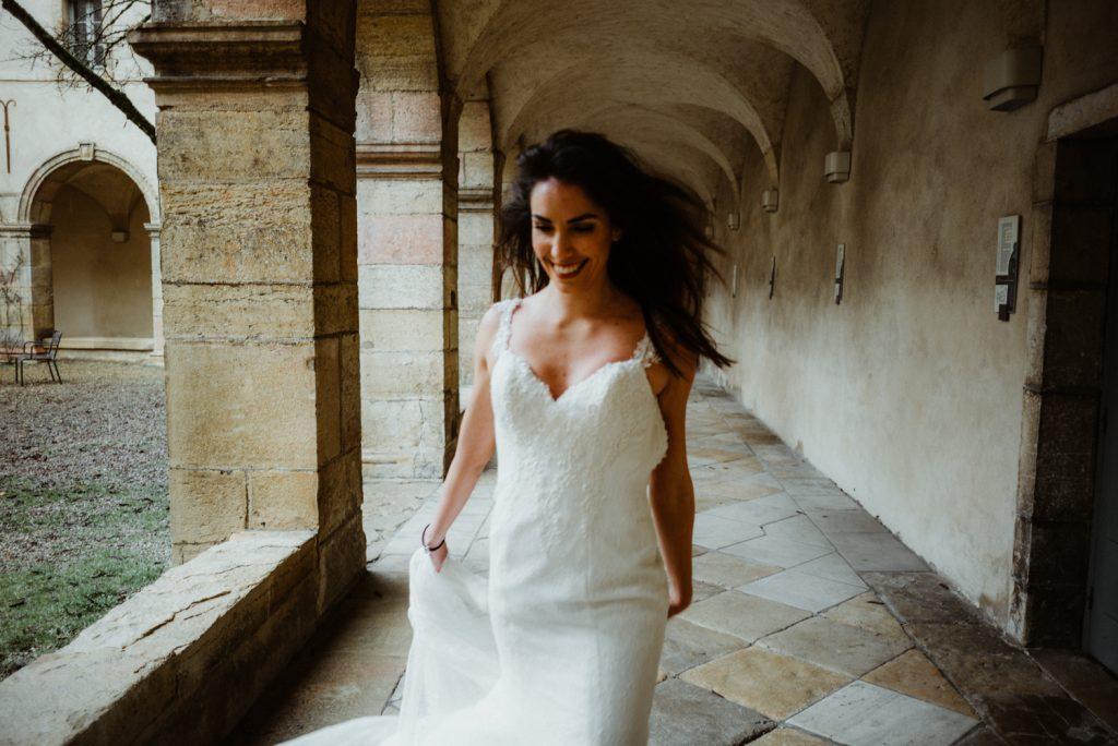 Photogrpahe de mariage a dijon en bourgogne, robe de mariee, wedding dress, jonas jacquel