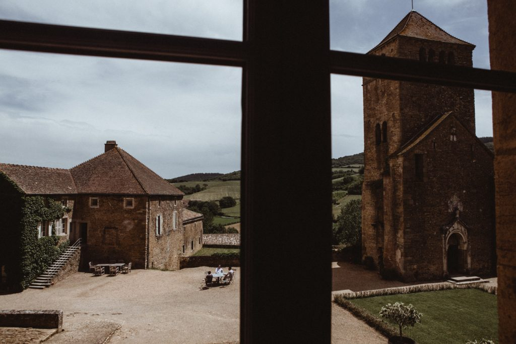 Photographe de mariage et de reportage à Dijon, en Bourgogne. Jonas Jacquel au château de Pierreclos.7